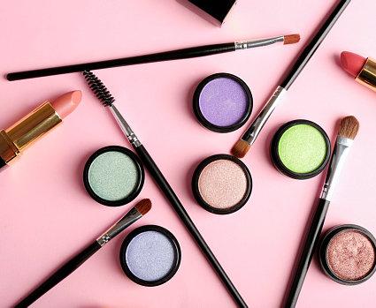 makeup kit.